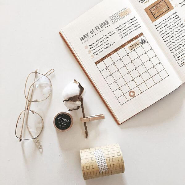Simple and Classy Bullet Journal Calendar Spread Ideas for May