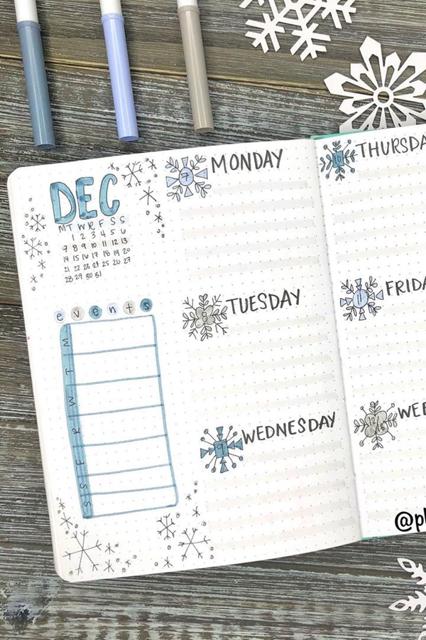 Grey Lines on Dot Grid Paper for Bujo Organizing Tips - December Bullet Journal Ideas - Weekly Spread for December